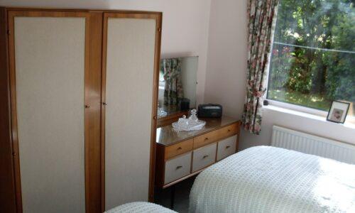 Wayside bungalow rental, near Malverns